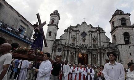 Viernes santo en la catedral de La Habana