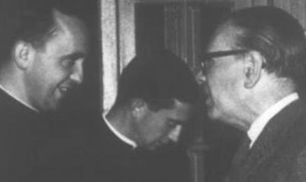 HISTORIA DE UNA FOTO Y DE LO QUE HUBO DETRÁS. Cuando Jorge Mario Bergoglio invitó a Jorge Luis Borges para que hablara con sus alumnos y lo ayudó a afeitarse