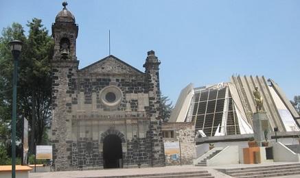 Santuario del Cerrito en México que custodia dentro los restos identificados como la casa del indio Juan Diego