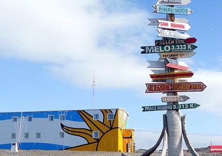 La base antártica Artigas con las distancias de las principales ciudades de Uruguay