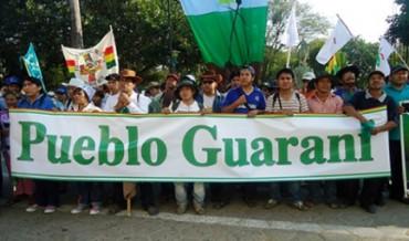 NACE EL PRIMER GOBIERNO AUTÓNOMO INDÍGENA EN BOLIVIA. Estará formado por nativos de la etnia Guaraní que viven en la frontera con el Paraguay