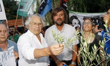 """PÉREZ ESQUIVEL, TRUMP Y LAS VIRTUDES DE LA TORTURA. """"Es un hombre que hará mucho daño"""". Entrevista al argentino Nobel de la Paz 1980"""