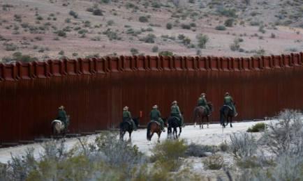 LA TORTA DEL MURO Y LOS ASPIRANTES AL BANQUETE. De Toledo a Tijuana: una fábrica española se ofrece para construir el muro de Trump