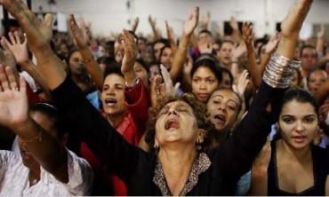 A GRANDE ONDA DO PENTECOSTALISMO NO BRASIL. As propostas dos bispos frente à perda de fieis e ao crescimento das comunidades evangélicas.