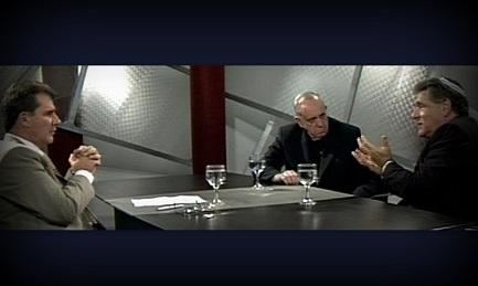 """Bergoglio, el rabino Skorka y Marcelo Figueroa durante el programa de Canal 21 """"Biblia diálogo vigente"""""""