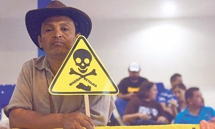 Las minas matan la tierra