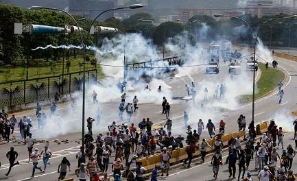VENEZUELA. PRUEBAS DE GUERRA CIVIL. ¿Cuántas muertes hacen falta para retomar el diálogo? ¿Y para llevar el país a elecciones?