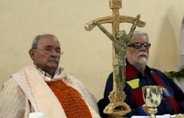RECONCILIACIÓN Y MUERTE DE UN CURA-MINISTRO. Miguel d'Escoto inauguró la era de los sacerdotes en el gobierno sandinista y por eso fue suspendido a divinis en 1984