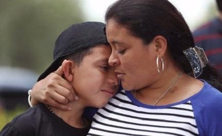 MADRE HAY UNA SOLA. Un estudio sobre los envíos de los inmigrantes desde Estados Unidos muestra que más de la mitad se hacen a las madres mexicanas y centroamericanas.