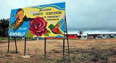 VIDA COTIDIANA EN EL PRIMER PUEBLO SOCIALISTA DE COLOMBIA. Los habitantes son ex guerrilleros de las ex Farc en vías de reincorporación. Hay restaurantes y bibliotecas