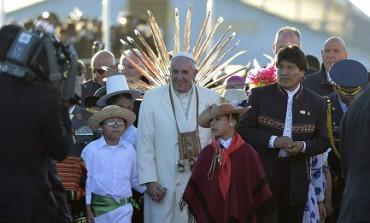 """EVO MORALES EN BUSCA DE LA CUARTA REELECCIÓN. Para lograrla, piensa enrolar incluso al Papa. Terminó la ilusión del presidente """"indio"""""""