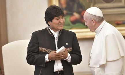 LAS PATAS CORTAS DE LAS MENTIRAS DE EVO MORALES. El presidente de Bolivia en el Vaticano. Pero en ningún momento se habló de la controversia con Chile.