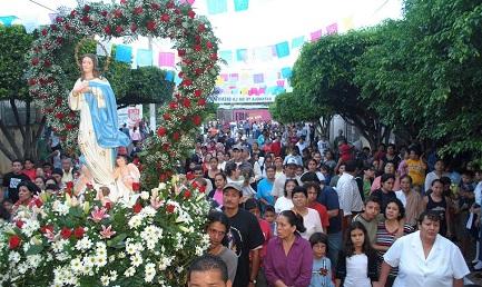 Procesión de la Purísima por las calles de Managua