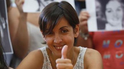 REGALO DE NAVIDAD. Las Abuelas de Plaza de Mayo encuentran otra nieta, la número 126. Es una joven abogada, hija de desaparecidos