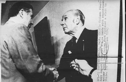 La foto del escándalo: Borges con Pinochet, en plena dictadura chilena