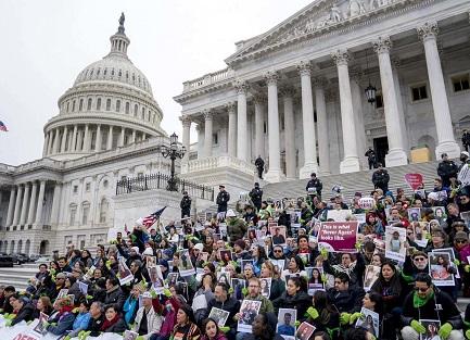 Dreamers piden garantías frente al Congreso (Foto AP - Andrew Harnik)