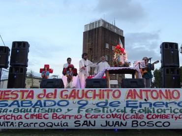 """CINCO AÑOS DE PONTIFICADO/2. Los pilares fundamentales de la parroquia """"villera"""" de Bergoglio: sacramentos y promoción humana"""
