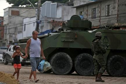 Paisaje con mimética (Foto Reuters-Pilar Olivares)