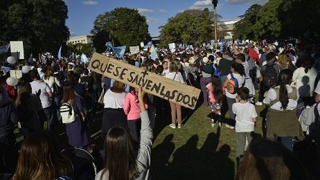 """""""VALE TODA VIDA"""". Con este lema millones de argentinos salieron a las calles en todo el país para pedir políticas a favor de la vida y rechazar la despenalización del aborto"""