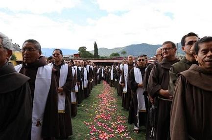 GUATEMALA TAMBIÉN TENDRÁ SUS BEATOS. En octubre, después de la canonización de Romero en el vecino El Salvador, será el turno del franciscano italiano Maruzzo y el laico Arroyo Navarro