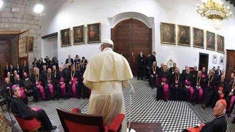 El Papa con los obispos chilenos en enero de 2018