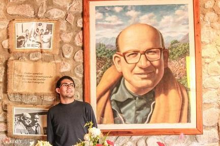 Una pintura-retrato del obispo Enrique Angelelli, asesinado el 4 de agosto de 1976