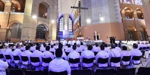 AUMENTAN LOS SACERDOTES EN BRASIL. El Centro de Investigaciones sociales y estadísticas religiosas de la Conferencia Episcopal señala un aumento de 2.700 religiosos desde 2014 hasta hoy