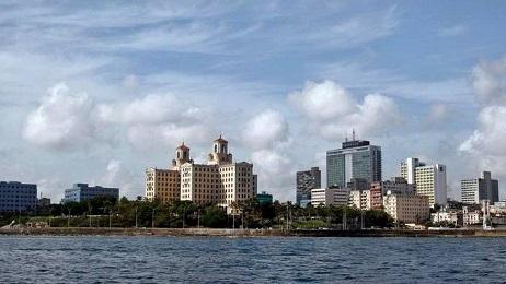 Una vista extraordinaria de La Habana desde el mar (Ernesto Mastrascusa/EFE)