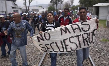 """MÉXICO. ARRANCAN LOS """"FOROS DE PAZ"""". Y la Iglesia participa de los mismos. El presidente electo López Obrador inaugura los trabajos en la peligrosa frontera de Ciudad Juárez"""