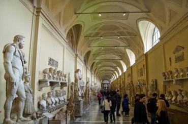 """100 MIL MEXICANOS VISITAN LA MUESTRA VATICANA EN UN MES. Se titula """"Vaticano: de San Pedro a Francisco"""" y presenta obras de Rafael, Tiziano, Guercino, Reni y Bernini"""