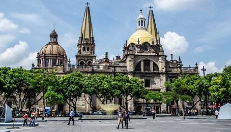 """EN MÉXICO SE LLEVARÁ A CABO EL PRIMER CONGRESO CONTINENTAL DE PASTORAL URBANA. En octubre, ciudad de Guadalajara. Nuevas formas y lenguajes para una Iglesia """"en salida"""""""