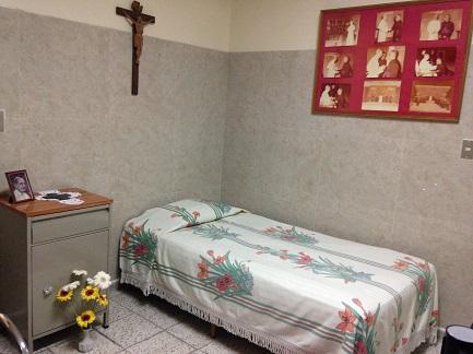 """SAN ROMERO ENTRE PABLO VI Y FRANCISCO. El primero era para él """"el corazón palpitante de la Iglesia"""", el segundo lo hizo santo. """"Hoy viviría los ataques contra el Papa Francisco con el mismo dolor que vivió los que recibía Pablo VI"""""""